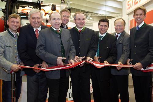 Eröffnung der Austro Agrar Tulln – Agritechnica in rot – weiß – rot