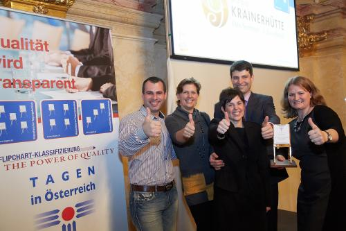 Tagen in Österreich präsentiert beliebteste Seminarhotels - Goldene Flipcharts für Kundenzufriedenheit verliehen