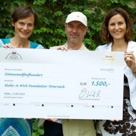 Jacobs Momente Caffè Crema und der Märchensommer Niederösterreich sammeln 1.500 Euro für Make-A-Wish-Foundation® Österreich